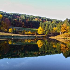 lago-federici-moccone-camigliatello-autunno